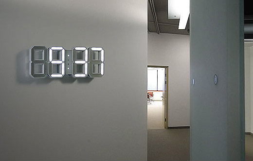 Beautiful and simple desk/wall digital LED clock by Vadim Kibardin
